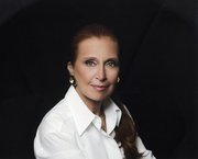 Fashion Friday: Danielle Steel