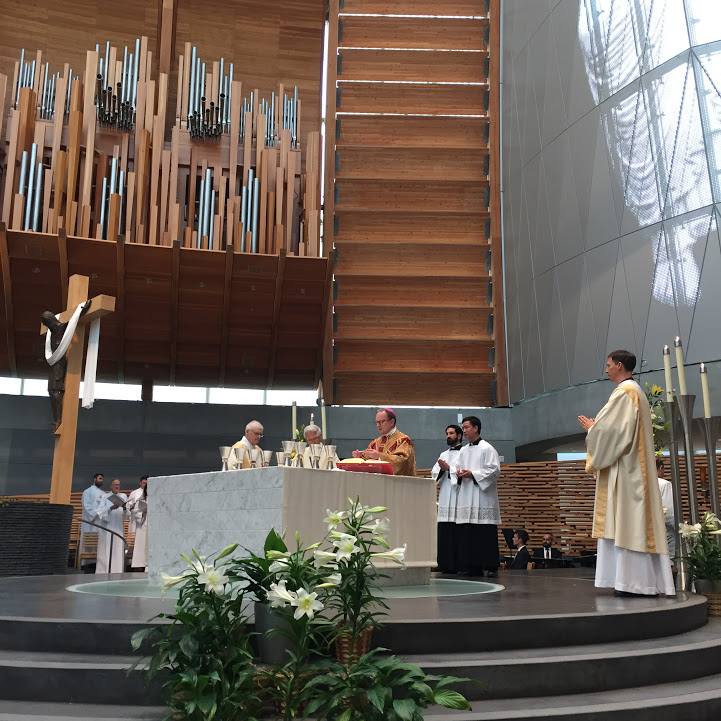 Easter Mass at Cathedral of Christ the Light