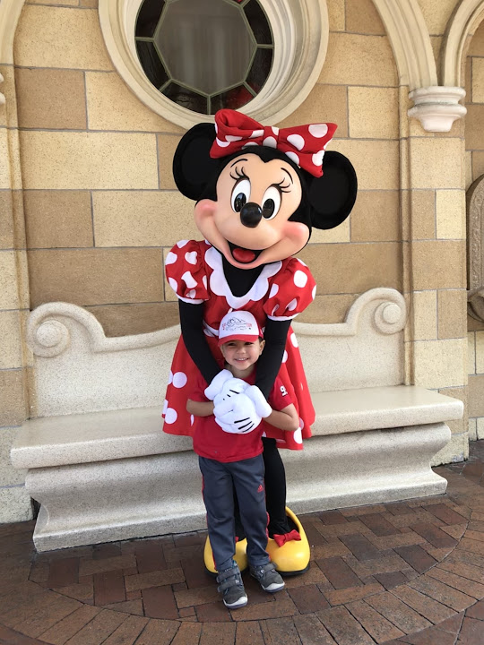 disneyland minnie mouse