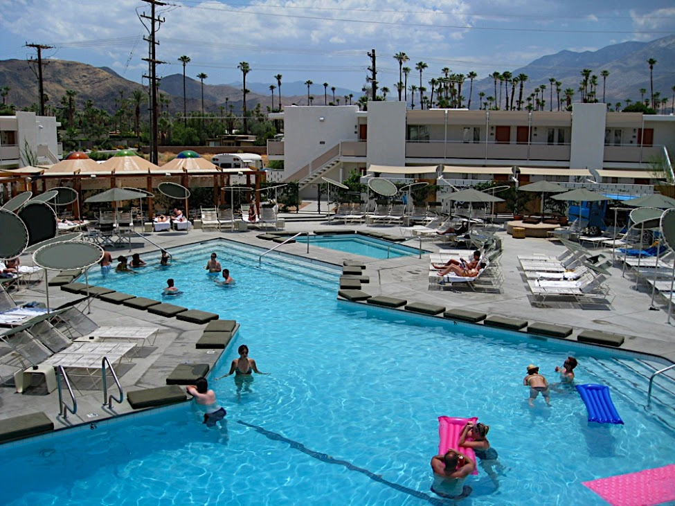 Travel guide to Palm Springs